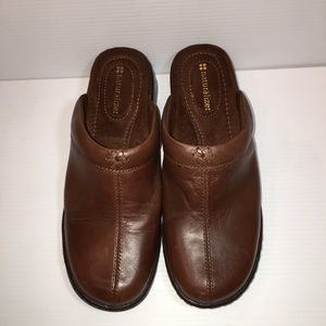 Naturalizer Brown Leather Clogs size 7